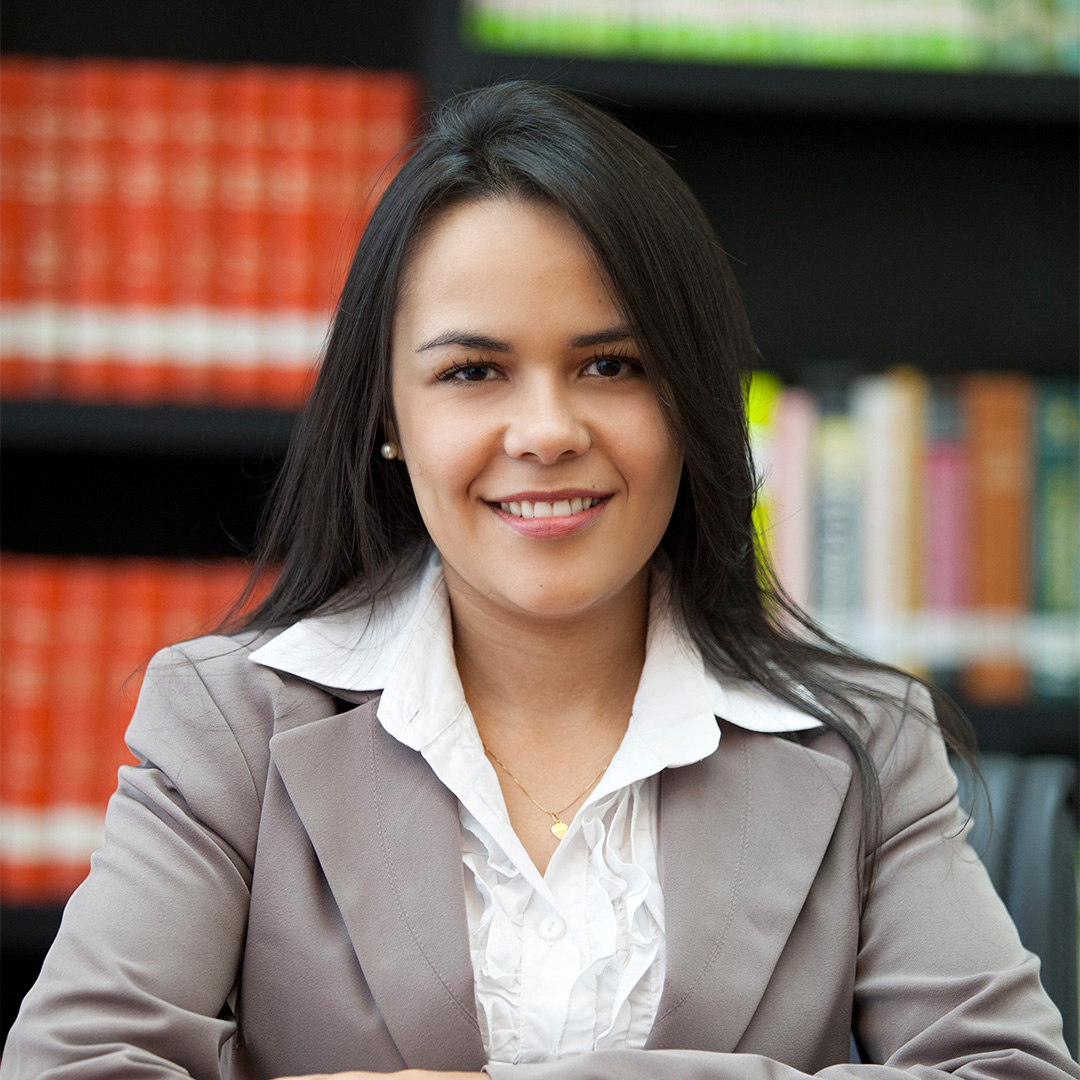 Débora Sátiro Gonçalves Peruzzo